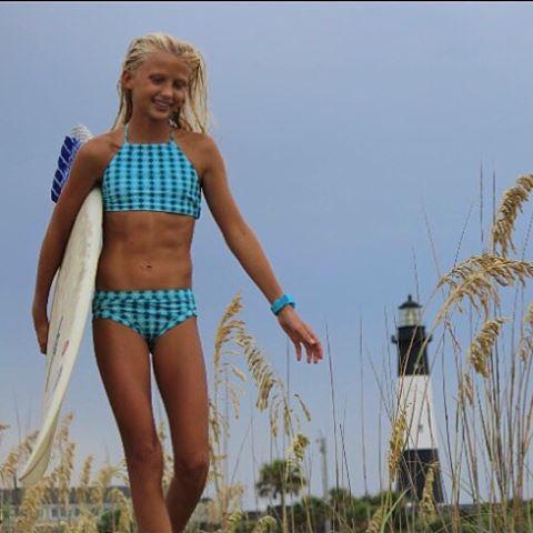 OBX off-road travels with team rider @tybeeanna #luvsurfgirl #wearthecalidream #adventure #obx #luvsurf #surfergirl