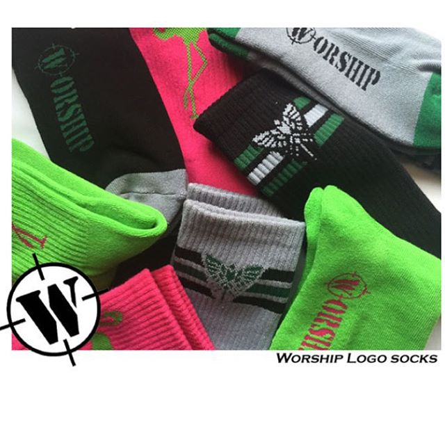 We finally restocked on Worship socks. Use the link in our bio to check out the site. Shipping is free on every order. #socks #happysocks #rockoutwithyoursocksout #flamingos http://www.worshipskateboards.com/id91.html