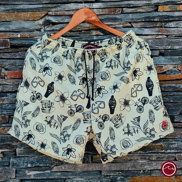 Llegaron los nuevos trajes de baño #UW de la temporada #SS16. Diseño exclusivo! Adquirí YA el tuyo en www.underwavebrand.com o ventas@underwavebrand.com. #FeelIt. La colección completa la podrás ver en facebook.com/underwavebrand