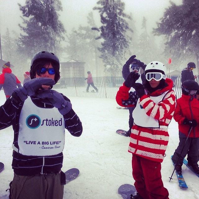 LA has snow! Best snow of the season and smiles all around. #stokedla  #stokedforlife #starspspangledpowda #stokedintheusa #snowsummit #snowboarding