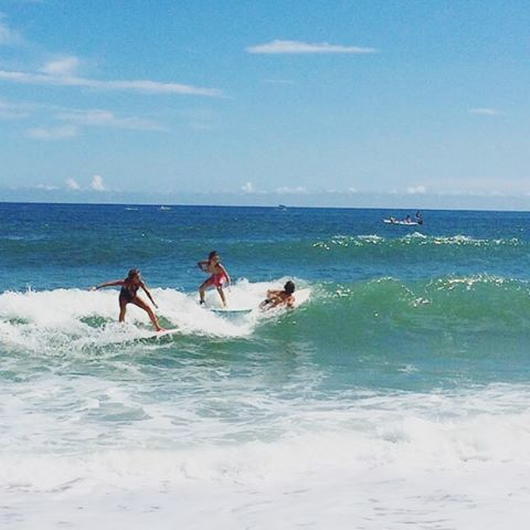 PARTY WAVE // @kailani_diaz #luvsurfgirl #wearthecalidream #surfwithfriends #partywave