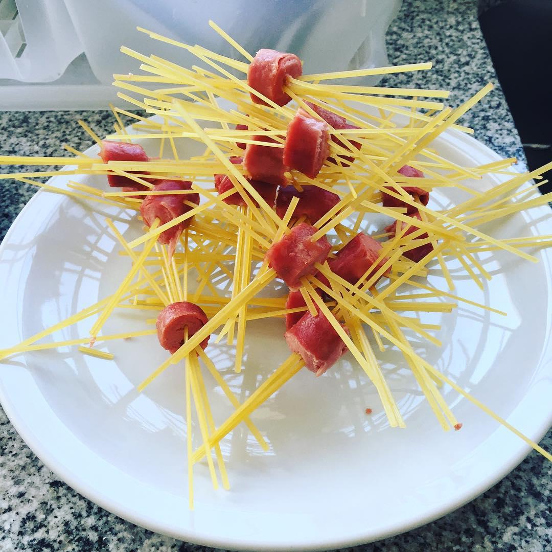 """Hoy en """"Almorzando en El Francho"""" Kids: Pasta con salchichen!"""