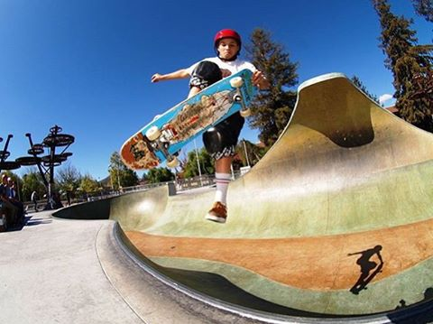 Weekend goals. @noah_elam at @sloskatepark. Photo: @skaterat58  #sk8helmet #originalpredatordesign #predatorhelmets