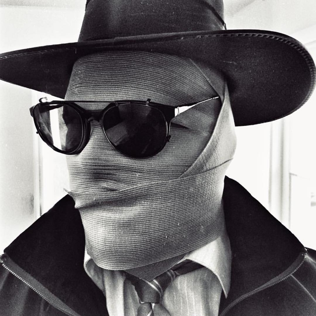 Congratulations to @joe_bork for winning this special #Halloween edition of #FanShotFriday with his #InvisibleMan costume working in the Hyde shades! You can win too! Just upload a creative shot of you rocking your VZ gear and tag #VonZipper for a...