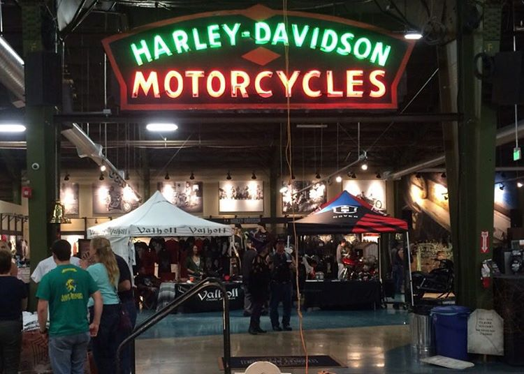 Hey you gnarly Harley riding Hoven hooligans! Head on over to @harleydavidson -San Diego off Morena Blvd for bike night! There will be free booze and food till 9pm. Stop by our tent and check out our great glasses for riding. We have 4 great styles...