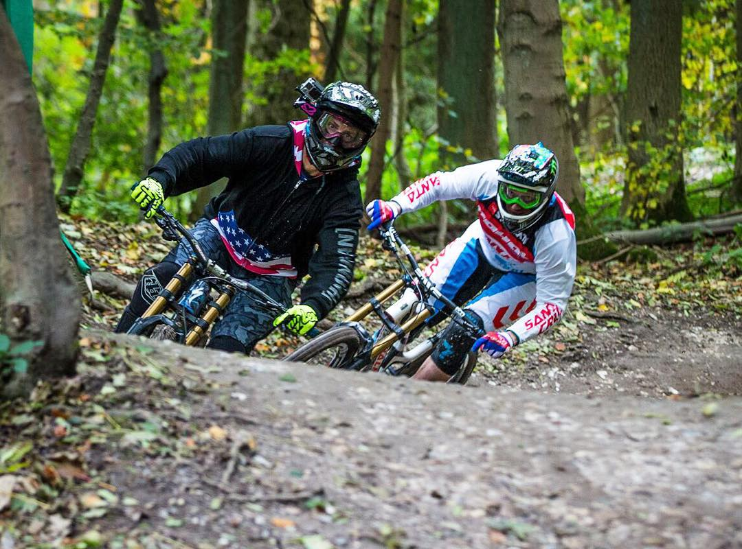 #Flashback to last week to a downhill shred session at Aston Hill in England last week, with multiple World Champ rider @StevePeat right behind me. I don't get nervous too often - but when there's a 2-wheel world champ right on my rear wheel, I get a...