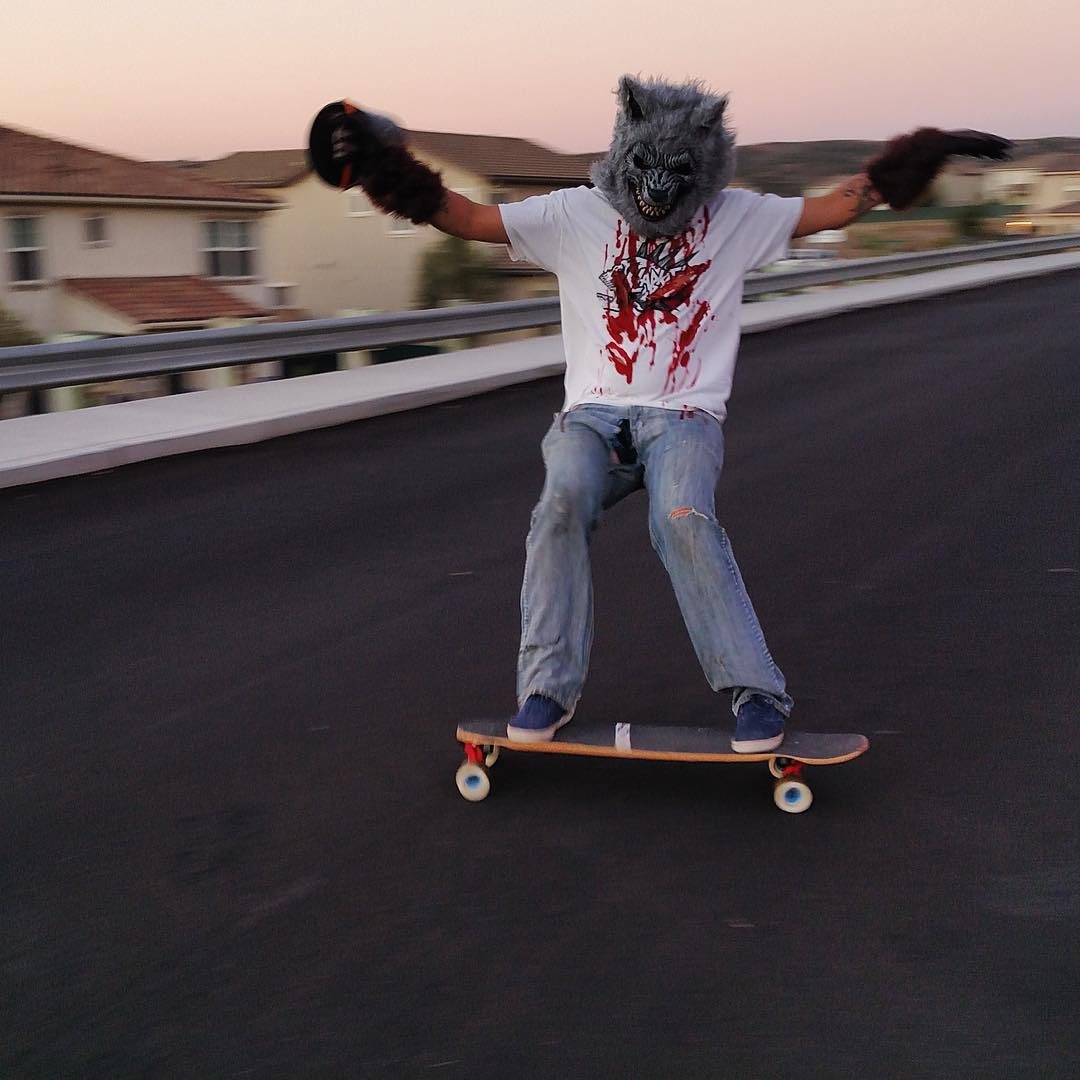 Howling at the moon! It's Halloween and we're wishing all you freaks and ghouls a spooky night. If you wanna win some treats show us your tricks.  1. Tag 3 friends in the comments on this picture 2. Post your own Halloween themed skate photo 3. Use the...