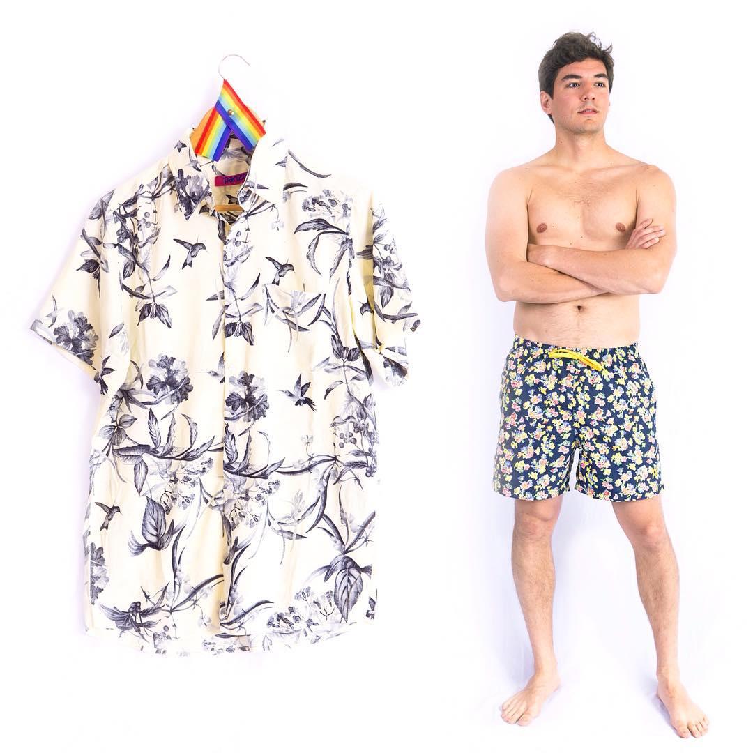 Este #verano si o metes el estampado! Anda pensando si es la camisa, el traje de baño.... O los dos!! Ahora que esta en sale