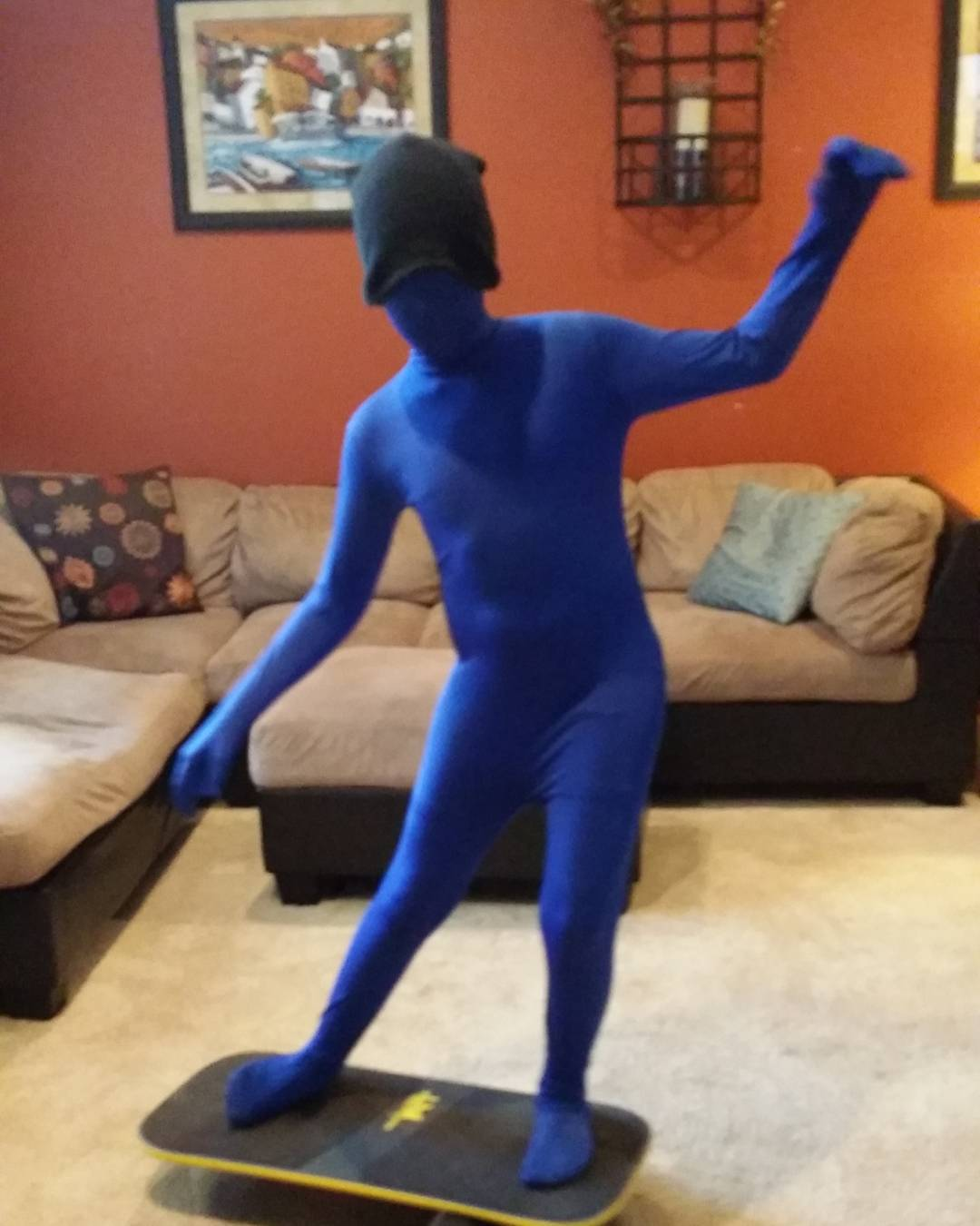 The blue man wrapping up a  Revbalace Halloween 2015! #halloween2015 #bluemangroup #revbalance #findyourbalance #balanceboards #madeinusa