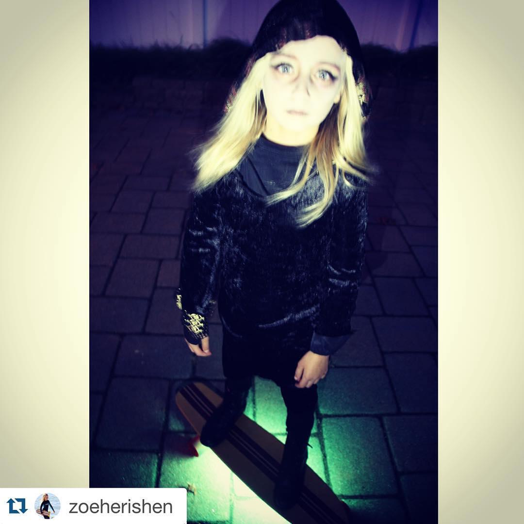 GRO rider @zoeherishen celebrated Halloween properly・・・ Ready to scare.....Happy Halloween