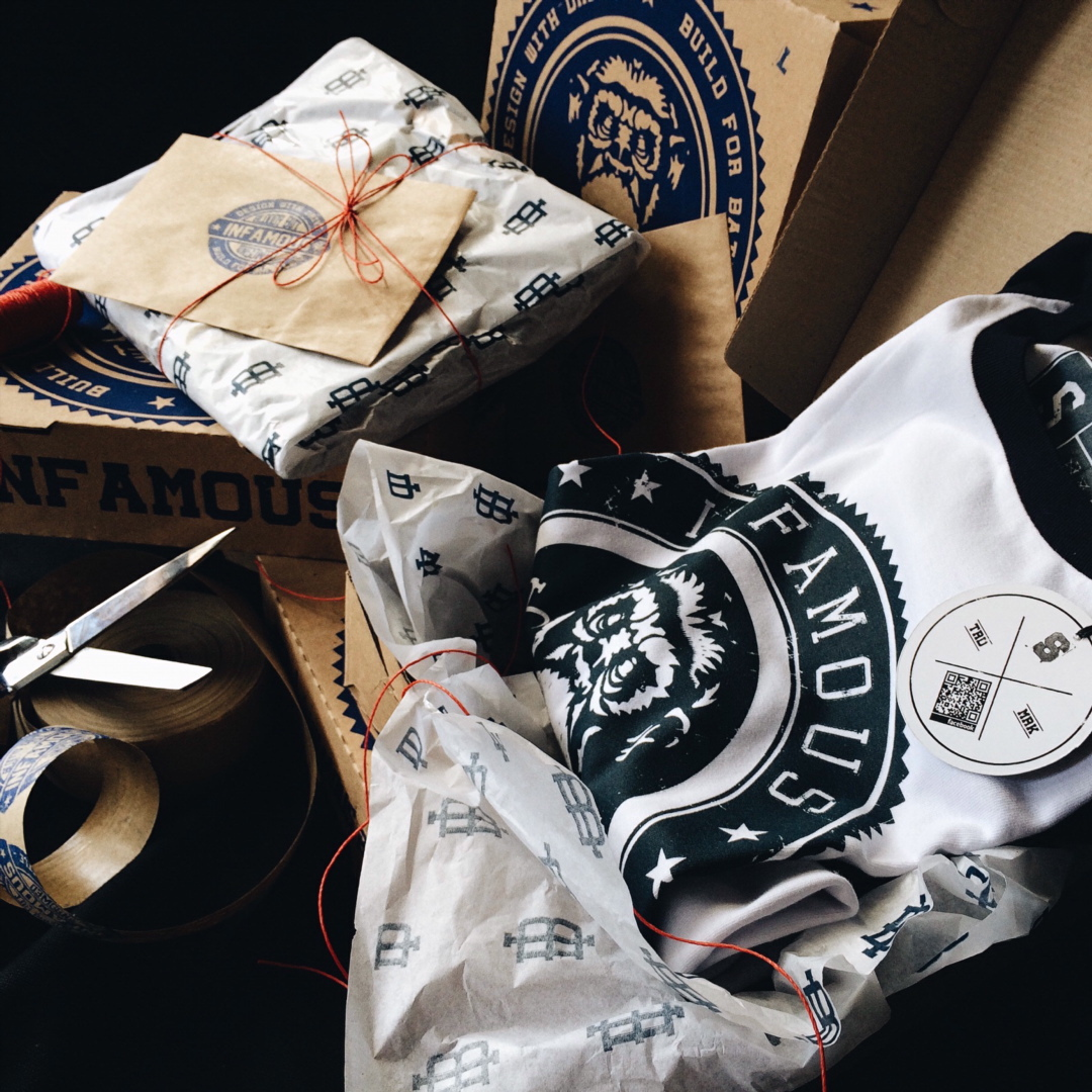 Ya podes encontrar tu reme Infamous en Mercado Libre! Llévate una reme y recibí de regalo una caja coleccionable + stickerpack de regalo!!! http://eshops.mercadolibre.com.ar/INFAMOUS*BEHAVIOR #remerasinfamous #kickassstickers #packagingdesign #