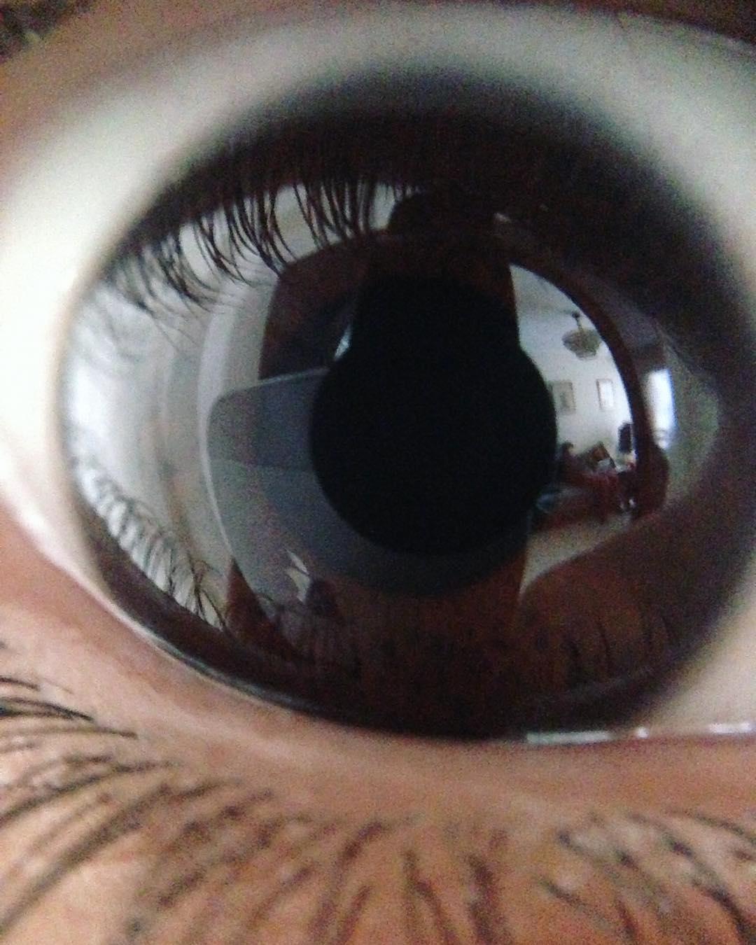 Este es tu ojo @dorisphanic