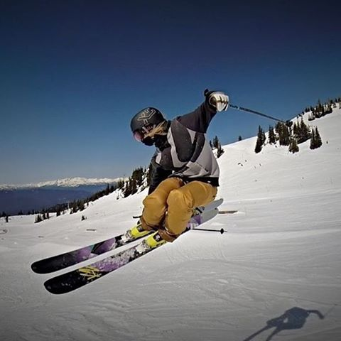 Steezy / @anna_segal lapping #whistler