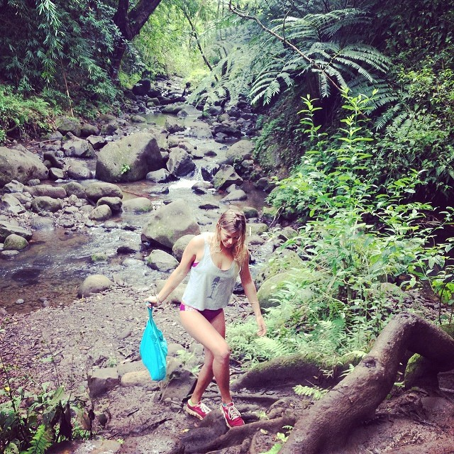 #bts with @flipachip in her #berry #boho #shorts and #boho #surf with a #cute @sirensurf #shirt #waterfall #hike #hawaii #withoutwalls @gowithoutwalls