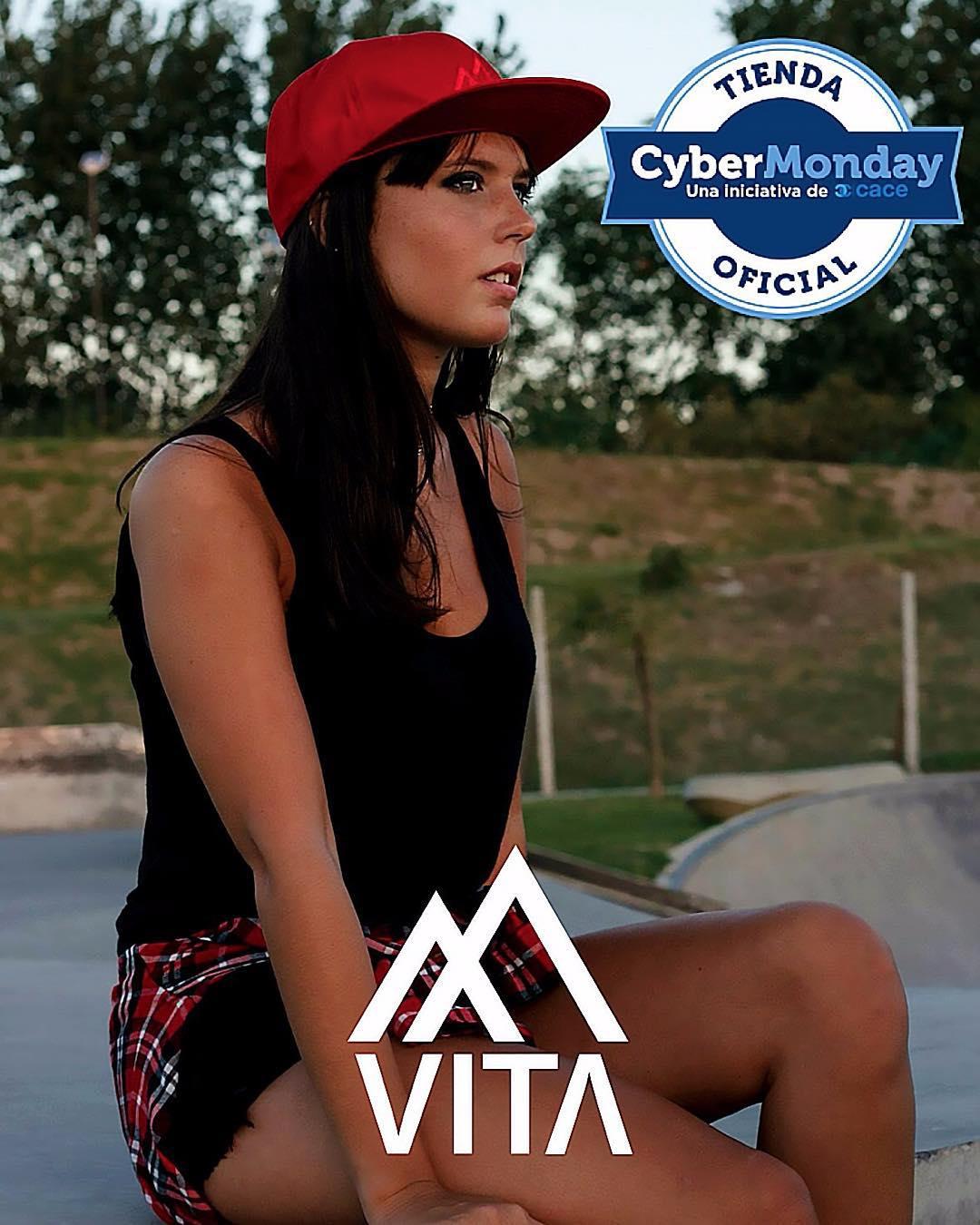 #CyberMonday en #VITA ‼️ No te pierdas las increíbles ofertas y descuentos que tenemos para vos, cuotas y envíos sin cargo a todo el país! Metete en netshoes.com.ar y conseguí tu #VITA • #VitaCaps #CyberMonday #Caps #vsco #vscocam #l4l