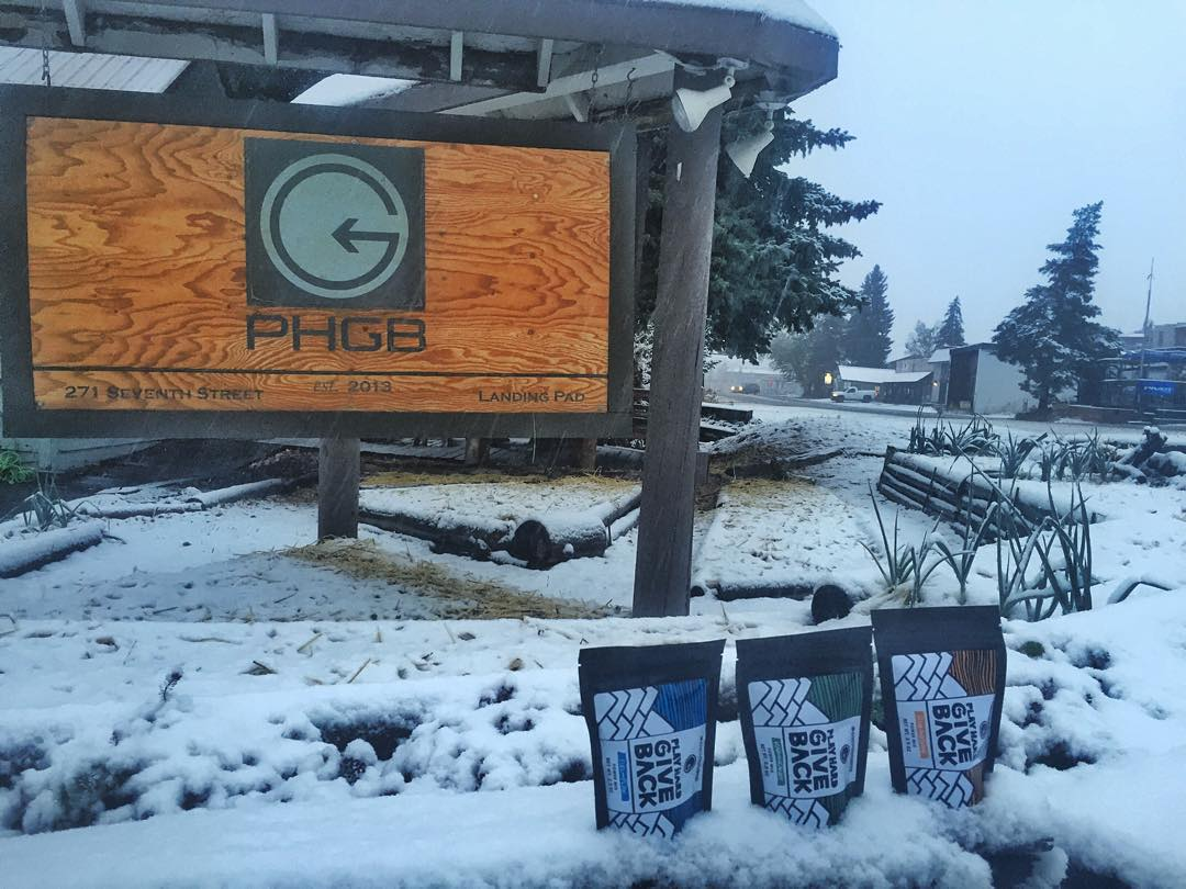 ❄️Fist Snow of the Season! ❄️ It's all smiles here at the #PHGB HQ, let the season begin! @sunvalley #igidaho #winterishere