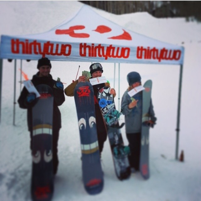 Congrats to team riders @minnesnowtafrost for taking 1st Place Overall @thirytwo Day @brightonresort . @lilhefe brig into home 3rd in the Rail Jam. @saltypeaksboardshop #MoMoney