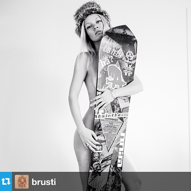 @brusti brings the heat to the #passitonproject board in Zurich. #asymbol #libtech #inyourdreams