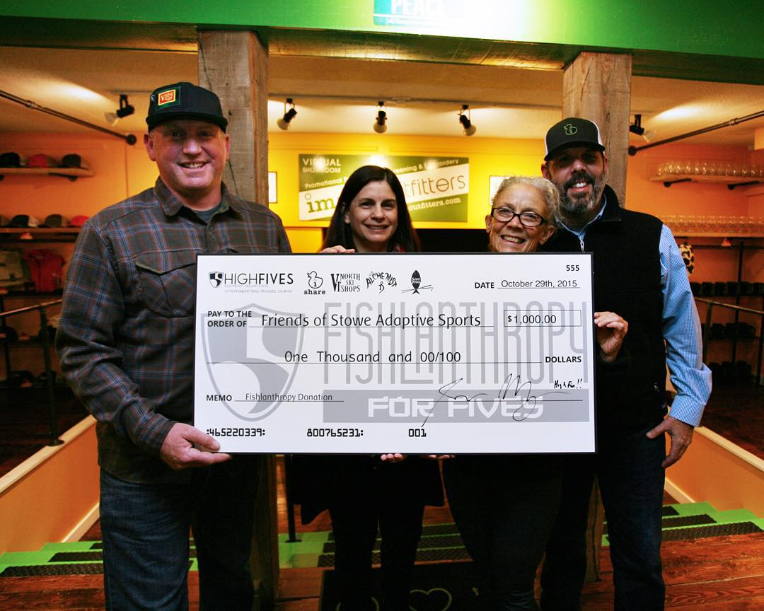 Jesse Murphy of @vtnorthskishop, Laura MacDonald & Cynthia Needham of Friends of Stowe Adaptive Sports (#FOSAS) & Esbert Cardenas Jr. of ishare presenting FOSAS with an $1,000 check from our Fishlanthropy for Fives event at Sushi Yoshi in Vermont!...
