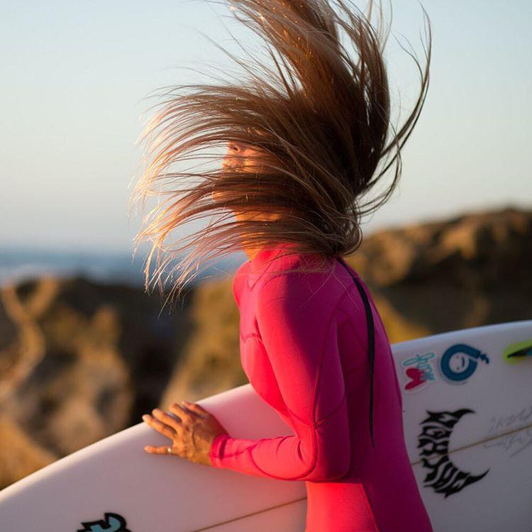 BLISS // @izzyisup #luvsurfgirl #smile #surf #goodvibes #hairflip #luvsurf @bodyglovegirl #bodyglovegirl #lost