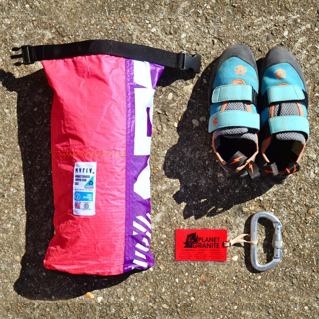 A climber's #mafiasurvivalkit // the Mini Mafia is our super versatile pouch that you can fasten onto a bag or belt, or just carry solo. It's the ideal watertight pouch for outdoor or office essentials #fromsailstobags #madeforlife #planetgranite...