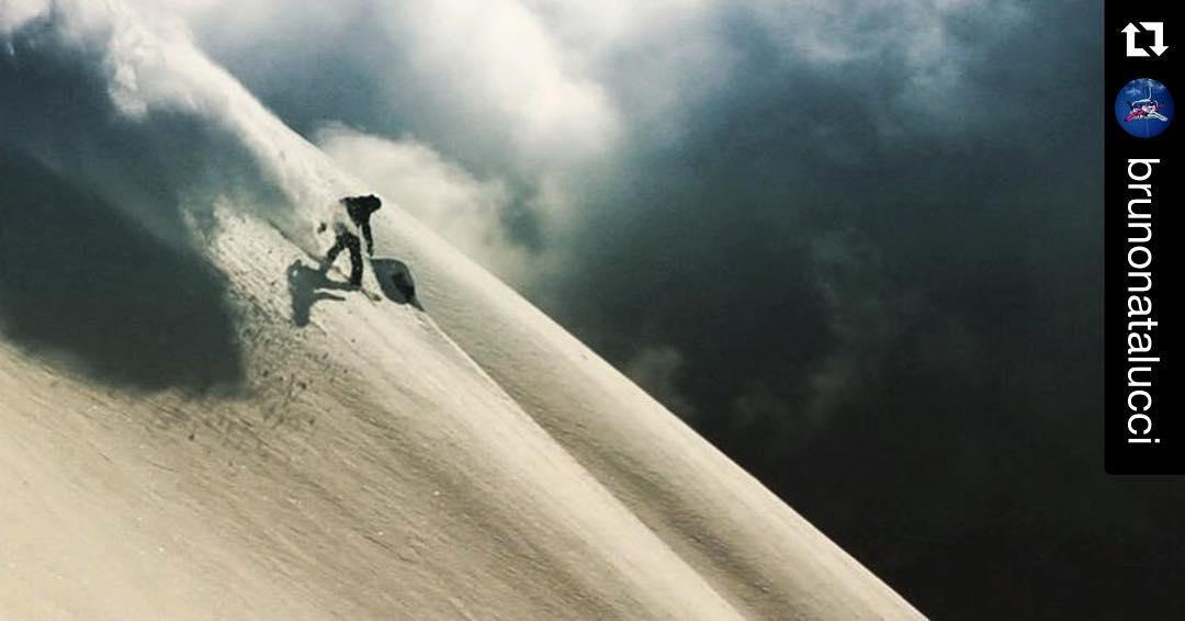 #repost #snowboarding #argentina #relentless #snowboard #photo @juanpib #rider @brunonatalucci