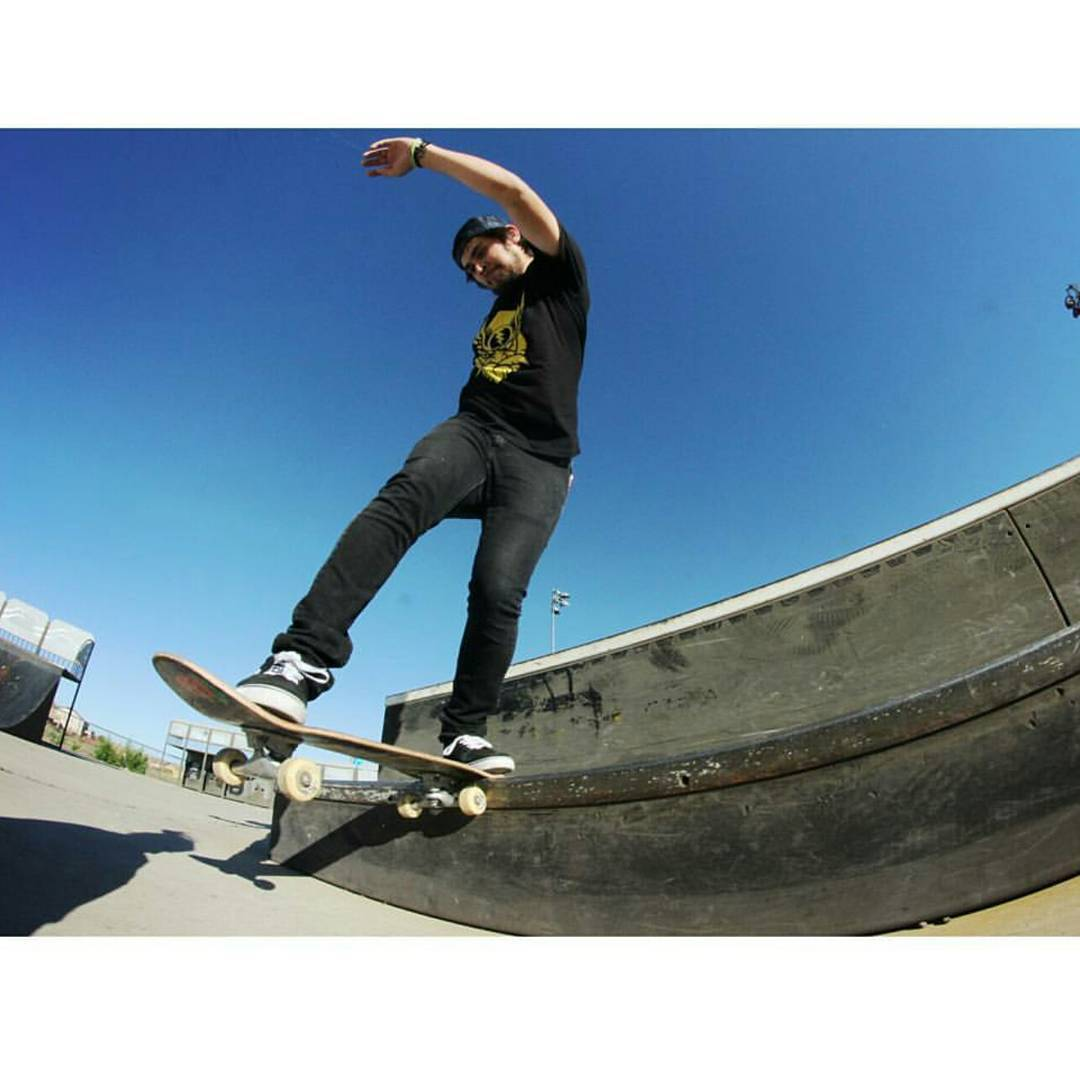 James Tracey--@deadbear13 Back Tail on the Facemelt street deck!
