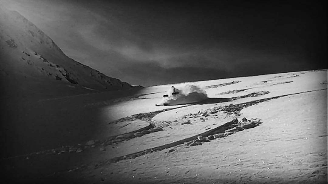 Early season faceshots, that are this good, are either dreams or simply divine. Chipie Windross pinches himself and skins up for another. @tignesofficiel #dpsskis