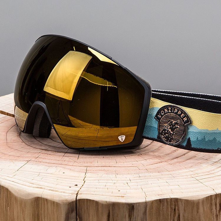 #GodzillaElNino is here! @mammothmountain is opening tomorrow and you'll need the good to keep the heavy flakes out of your eyeballs and switch lenses on the fly. Our new #VZJetpack goggle is the go-to with the new #4PlayLensSystem. @twsnow did a rad...