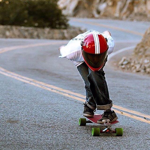 Sick @godofbiscuits1 shot of homie @farminghills tucking through some bends. #predatorhelmets #dh6 #originalpredatordesigns