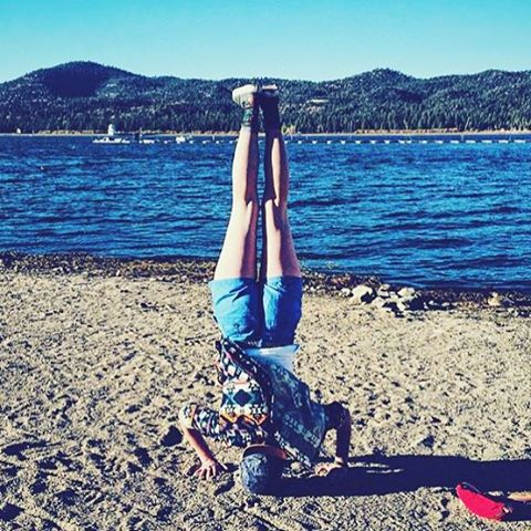 A L L  A B O U T  P E R S P E C T I V E Maybe the worlds not upside down, but we are... @sassyabigirl shows us what to do with a parks project hat, turn it up & flip it upside down!  Thanks for tagging #radparks #upsidedown #bigbearstatepark...