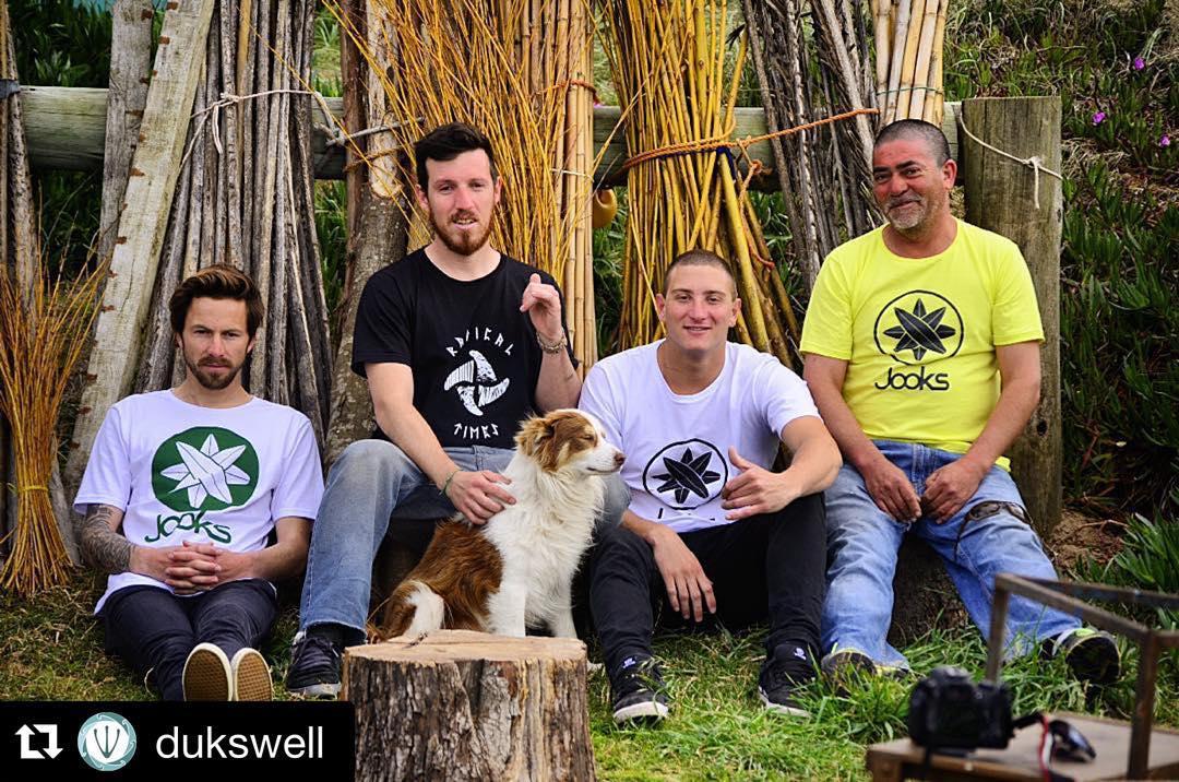 #Repost @dukswell with @repostapp. ・・・ Depues de un dia de laburo le dimos fin a la producción de @jooks.indumentaria con una foto grupal! #dukswell #photograpy