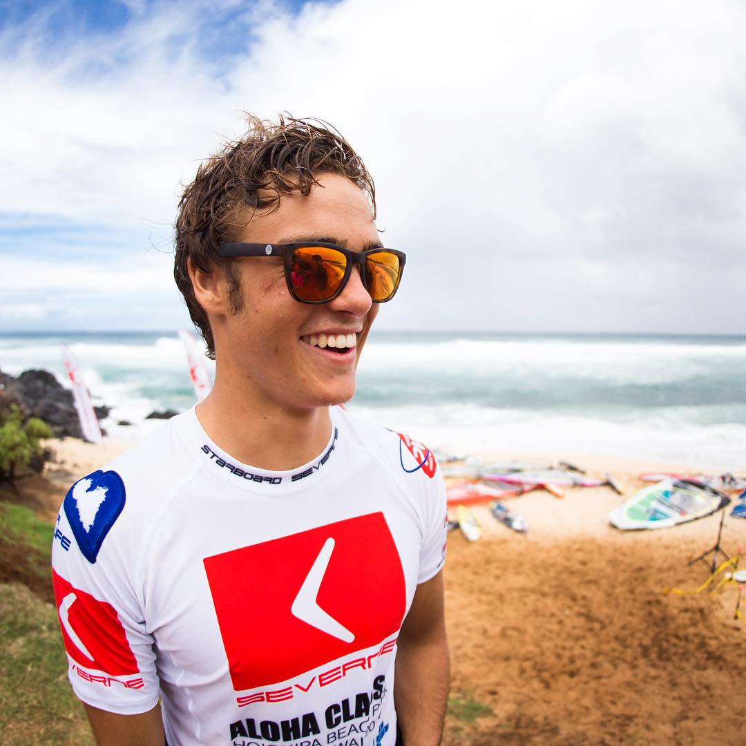 Sending good juju to Sunski Explorer @caseyrehrer as he takes on the 2015 Aloha Classic!