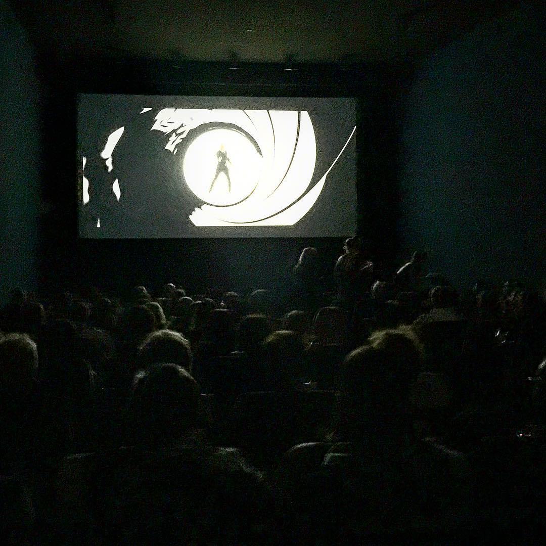 Watching #JamesBond with James Bond (#DrJamesLynch) at tonight's #Spector early screening for charity, yes please!  #CarolineLynch   #shakennotstirred   @shawnakorgan   @landroverusa   @jaguarusa   @ronald_mcdonald_house   #ChoosePositivityNow.com