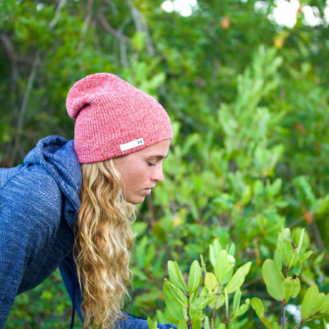 Enjoy nature today  @amparomaluendez staying warm in the Heather Red beanie  #Kameleonz #Nature #FridayVibes