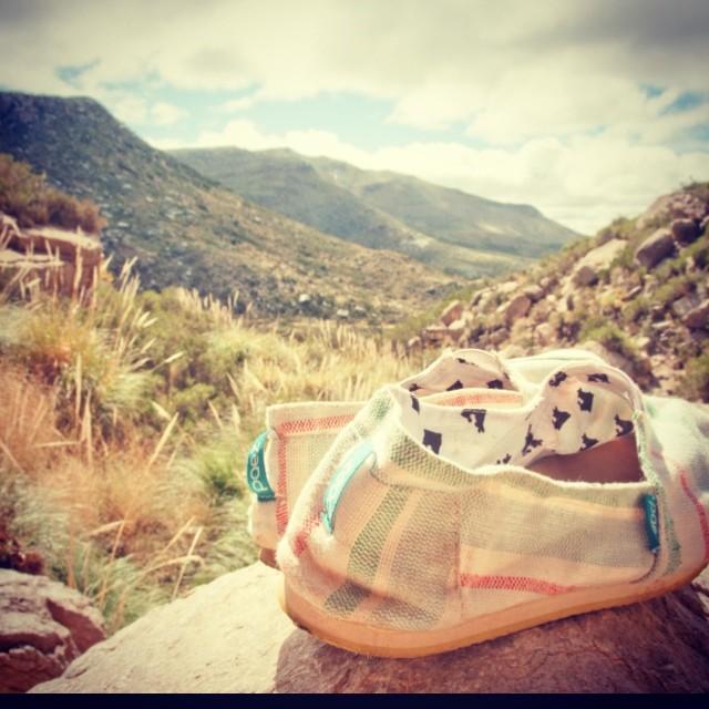 Paez en Cascada de Manqui Malal - Mendoza #PaezOnTheRoad by Natalia #Paez #paezshoes #argentina #bsas #ontheroad