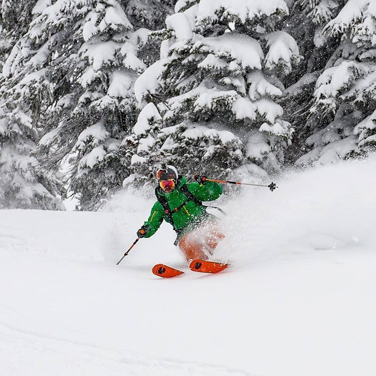 Our athlete @kylelamothe ripping some early season Canadian powder at Revelstoke #orangehot #powder #revelstoke #sweet @jay_morrison photo