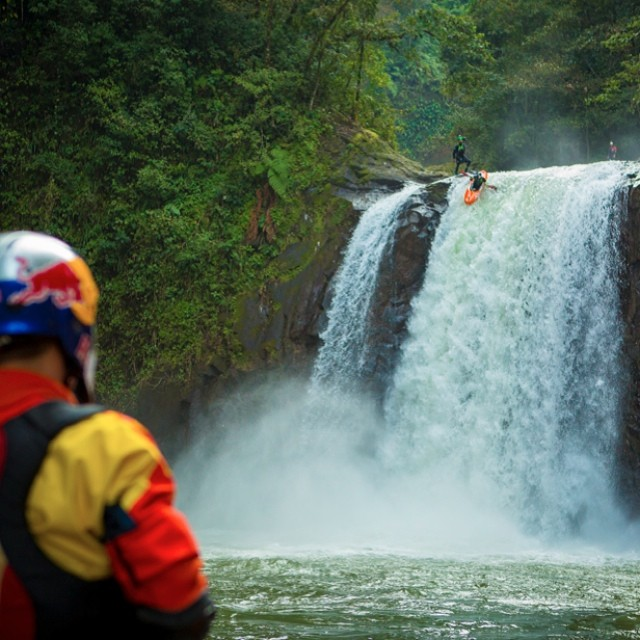 Take the plunge! @danejacksonkayak watches @rafaortizkayak at the #FirstDescent Michoacan kayaking expedition. Watch the trailer by clicking the link in our profile.