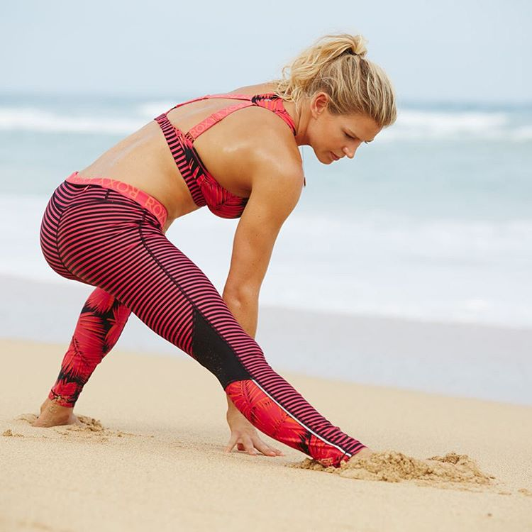 Sand, stripes, stretches and SWEAT! Where has your weekend workout taken you? #ROXYfitness  roxy.com/fitness