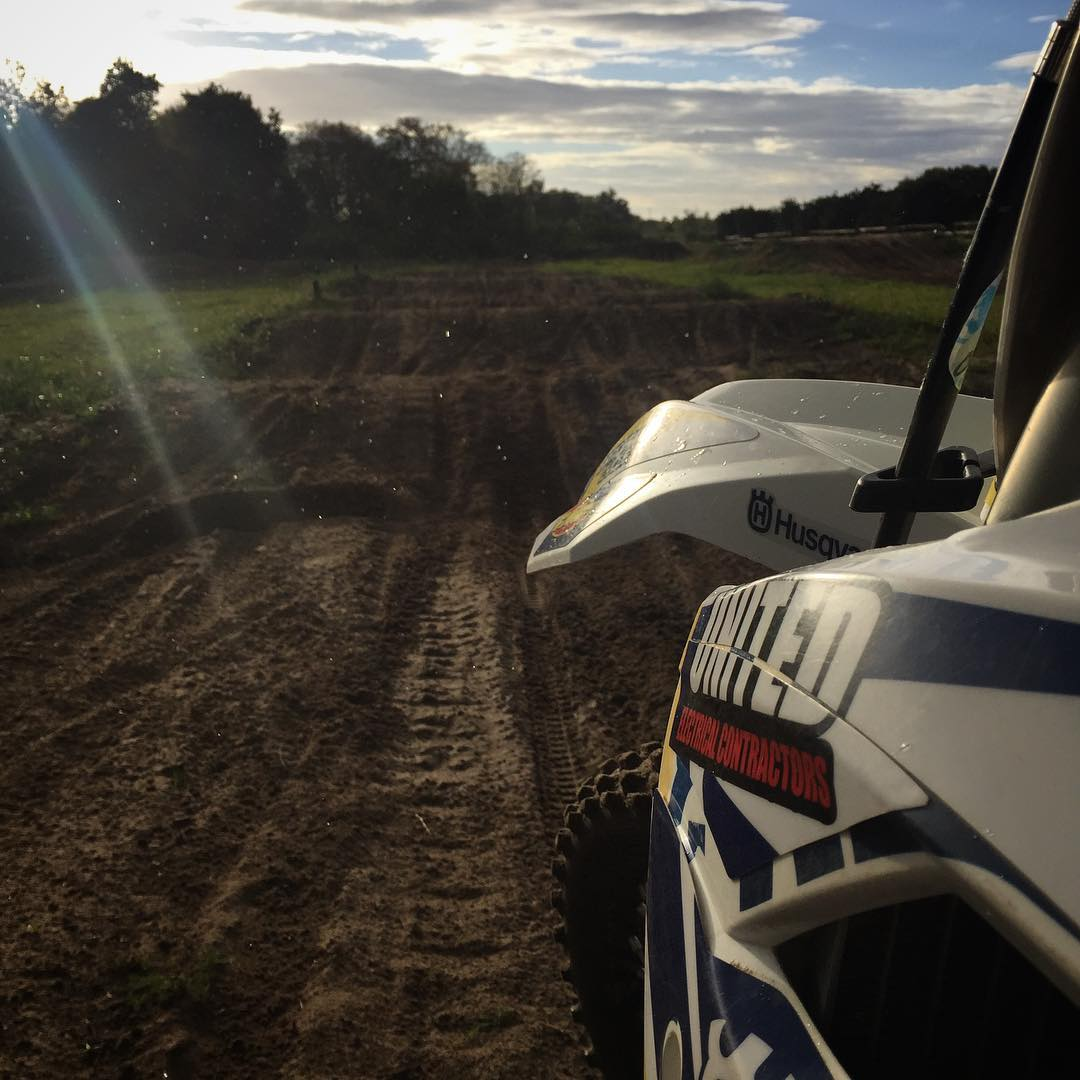 Nice evening training session last week with @cody95mx #wolfmx #moto #motocross #sunset