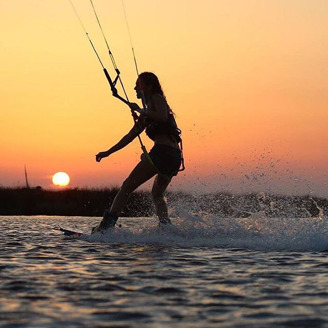 Team rider @clembonzom putting the sun to bed. Cheers to another week! #teamsensi #kiteboarding #kitesurfing #sunset #jointheadventure