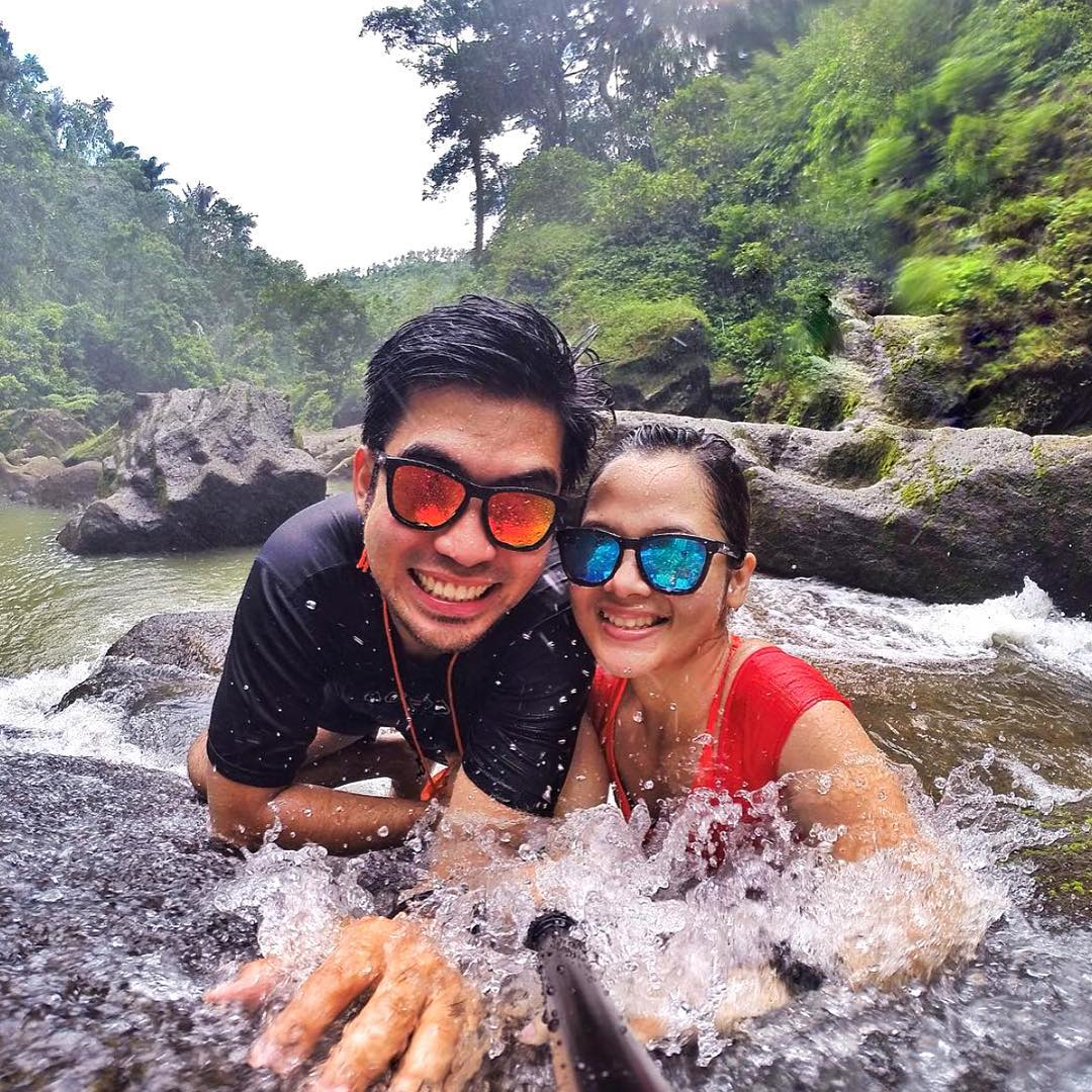 Go exploring!  @royjasperaldave rocking the North Shore frames (left) and @leanameira rocking the Surf frames (right)  #Kameleonz #Philippines #Explore