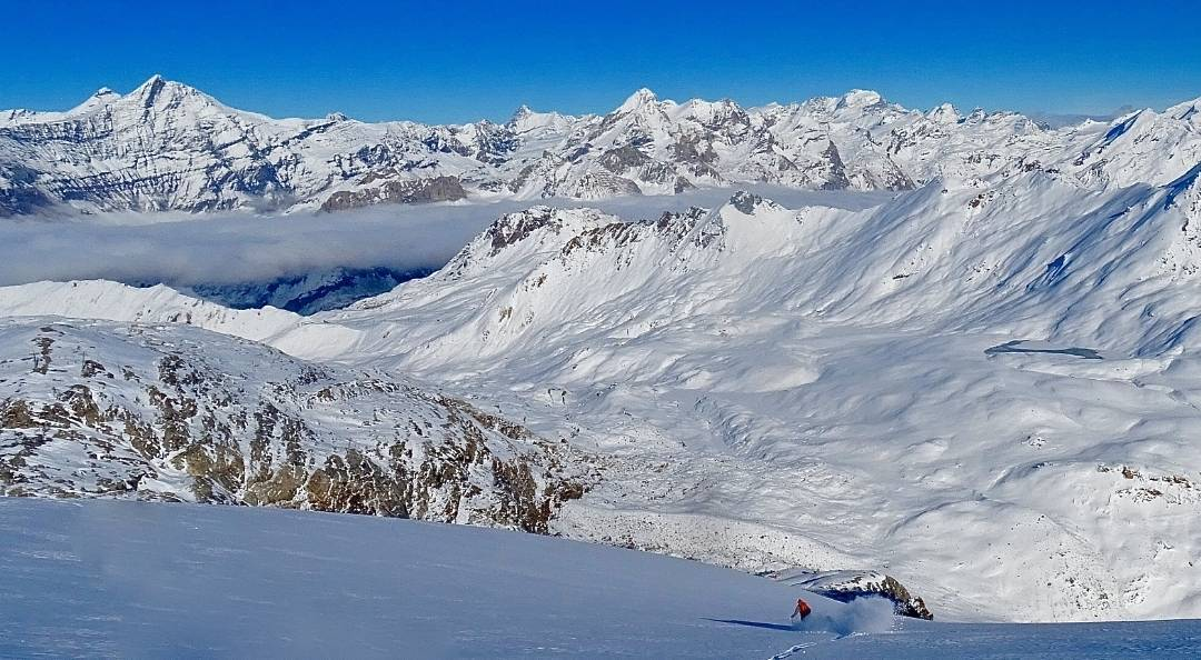 Chipie Windross descending into the valley after a glacier tour @tignesofficiel. #dpsskis #Europe #skiing