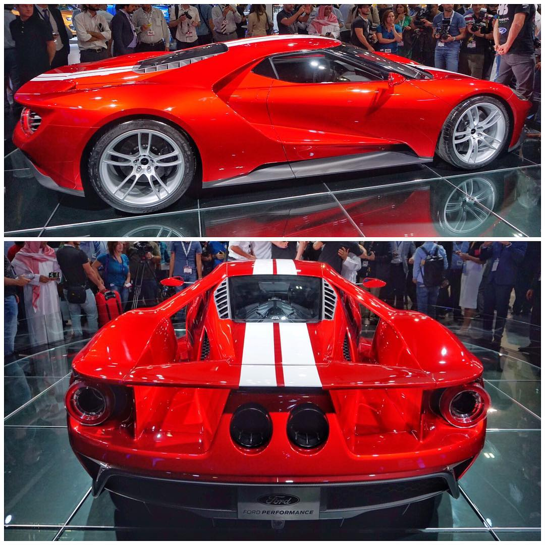 Here's something I hadn't seen yet: the new Ford GT, in this awesome royal red paint job. Gorgeous. Dubai Motorshow. #seeingred #FordGT #ladyinred #iseeablackcarandiwantitpaintedred