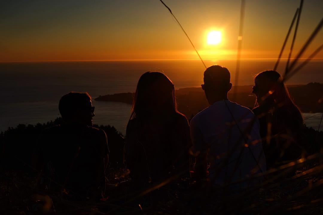 Fall evening glow with the crew.  @japhysurfco #japhysurfco #japhycrew #surf #surfing #travel #adventure #CA #SF #beachbum #roadtrip #sunset #nofilter #fall  Live #BurntandBarefoot