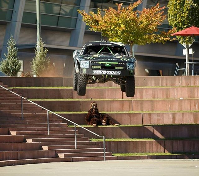 Love this shot of my buddy and fellow @MonsterEnergy/@TheHoonigans driver @BJBaldwin jumping down a big stair set in his trophy truck from #Recoil3. Go check out the video on YouTube - it's wild! #urbantruckyump