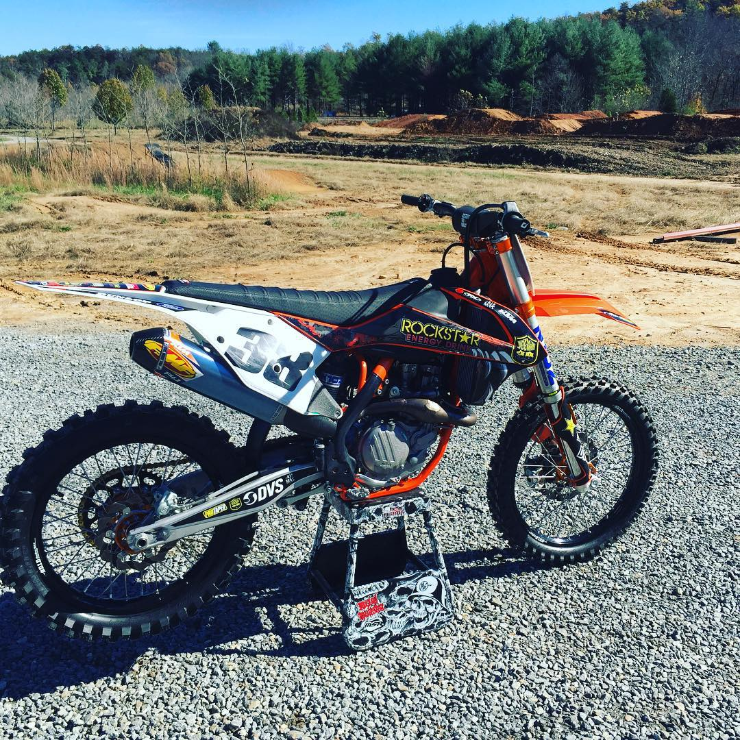 My machine of choice for my offseason #vacation ✊✊✊ #Deegan #motolife #dirt #country I'm gone!