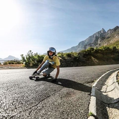 @lgcfrance ambassador & current #4 in the world @spokywoky last year in South Africa. @dylanhaskin photo.  #longboardgirlscrew #womensupportingwomen #skatelikeagirl #lgc #lgcfrance #spokywoky