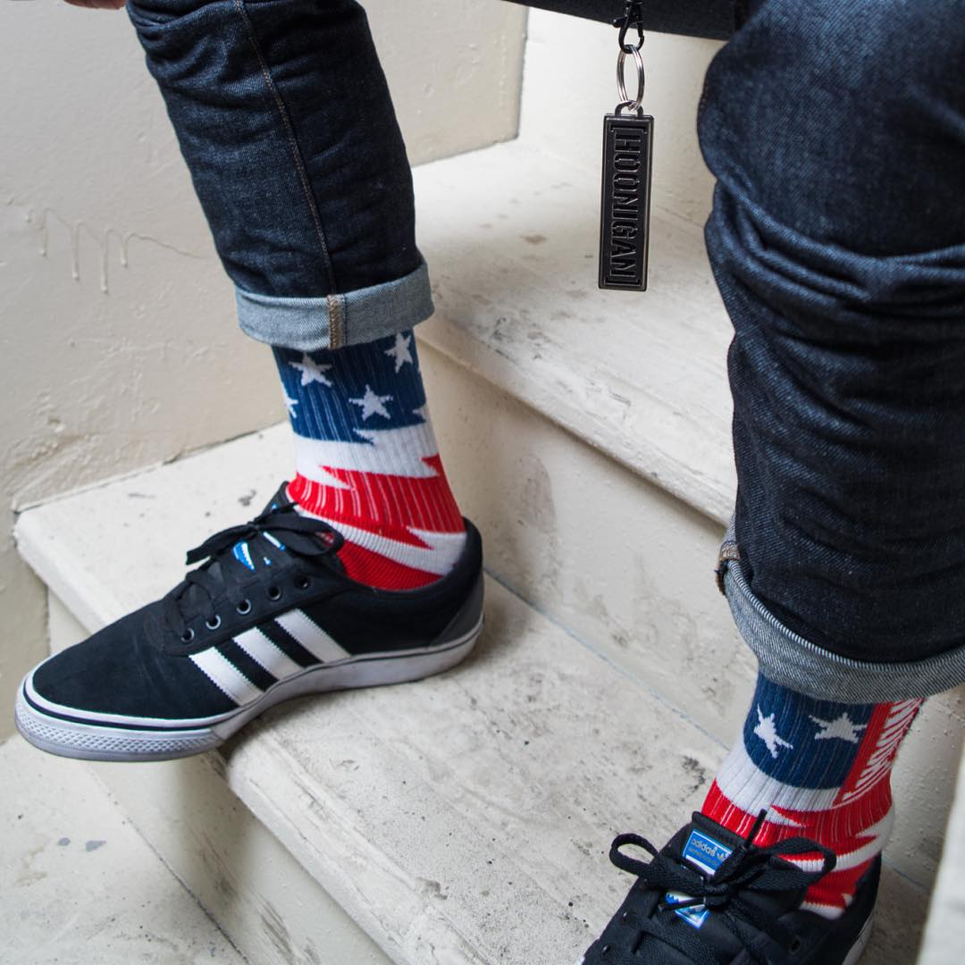 FLASH SALE: Through 6pm (PST) today, every order over 25 bucks on #hooniganDOTcom  gets a FREE pair of Stars and Stripes socks. #actquick #HappyVeteransDay