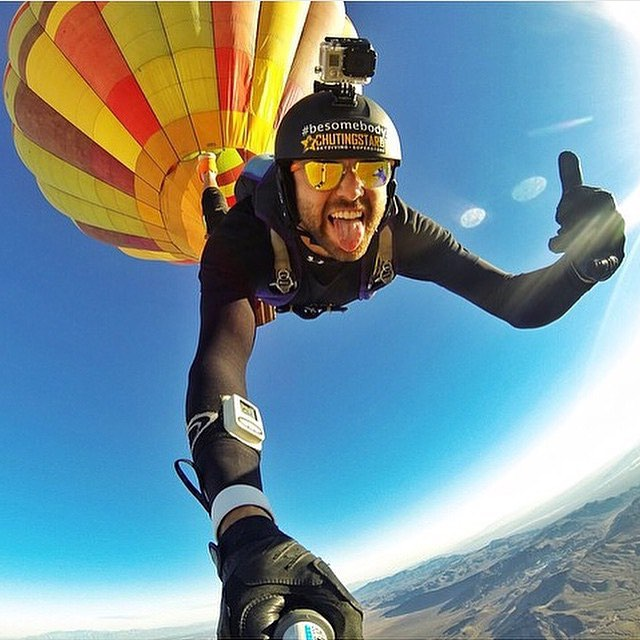 Soaring into Thursday  @ducpower89 wearing the Coconut shades  #Kameleonz #Skydiving #Balloon
